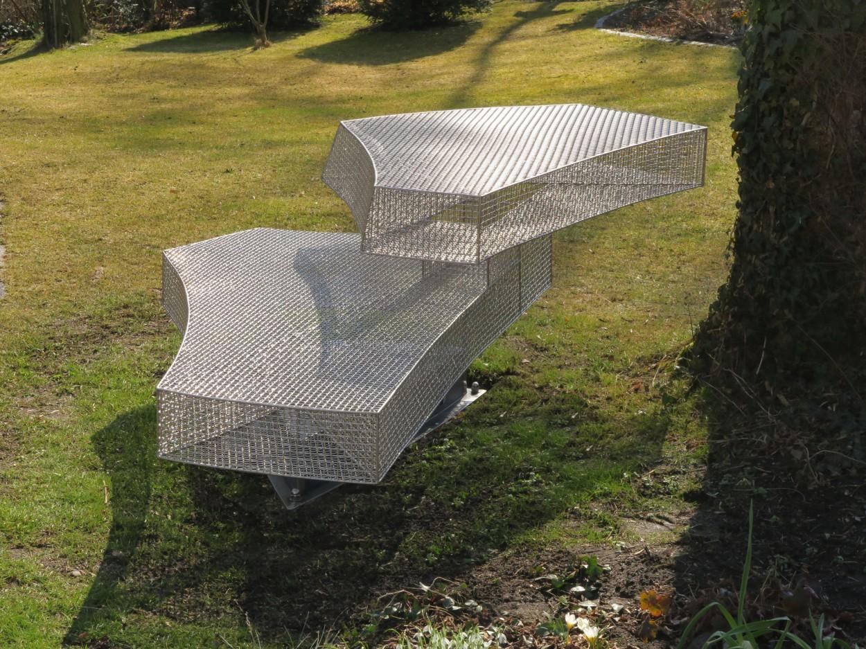GartenBankSkulptur - Bild 1